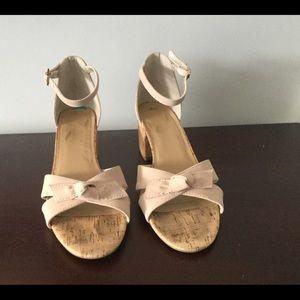 Shoes - ☕️☕️Pink Heeled Suede Sandals☕️☕️